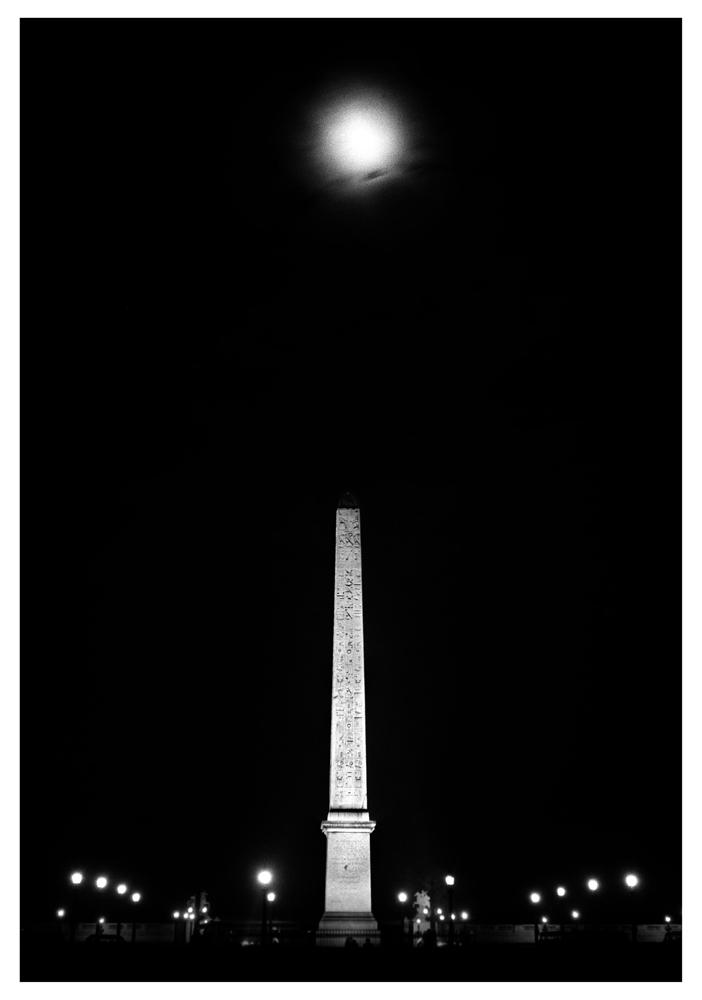 """Sabine Weiss<br /> <em>Bilboquet à la Concorde, Paris, 1950</em><br /> Silver gelatin print<br /> 16 x 12""""  Open edition<br /> 20 x 16""""  Open edition"""